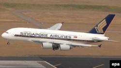 """В компании """"Сингапурские авиалинии"""" модернизируется флот - на смену """"Боингам-747"""" приходят аэробусы """"А-380"""" (на снимке)"""
