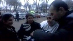 Тӯҳфаи консули Тоҷикистон ба Гулрухсор Рофиева