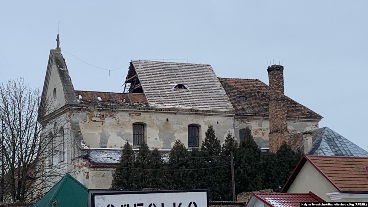 Памятники архитектуры на Львовщине рушатся на глазах