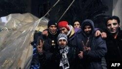 تعدادی از مهاجران در یونان در سال ۲۰۱۱ پس از اعتصاب غذا