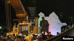 Մեքսիկա - Մեխիկոյի կենտրոնում գտնվող զբոսայգում ապամոնտաժում են Հեյդար Ալիևի արձանը, 26-ը հունվարի, 2013թ․