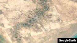 بخشهایی از رودخانه زهره در اطراف هندیجان؛ این رودخانه دائمی جنوب خوزستان «ماههاست خشک شده و شناورهای زیادی در دو سوی ساحلی آن به گل نشستهاند».