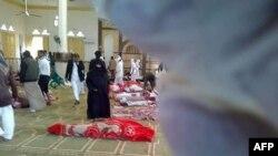 Тіла загиблих у мечеті у місті Бір-аль-Абд, 24 листопада 2017 року