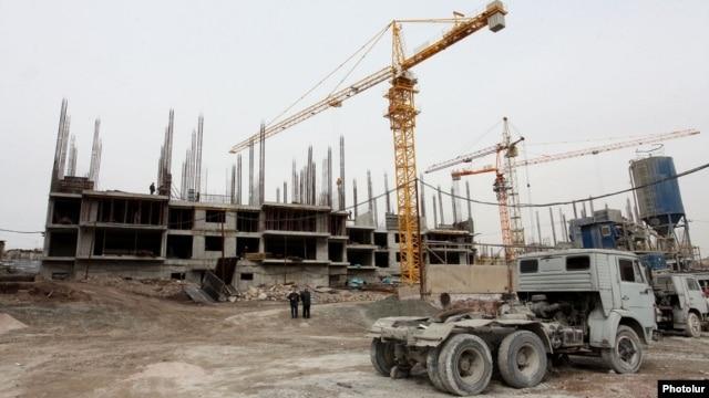 Armenia - A construction site in Yerevan, 4Mar2014.