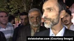 حمید بقایی، (شخص جلو در تصویر) مدیر اجرایی محمود احمدینژاد در دولت دهم