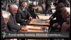 Füzuli meydanında nərd oynayan pensiyaçılar Stalinin ölümü haqda...