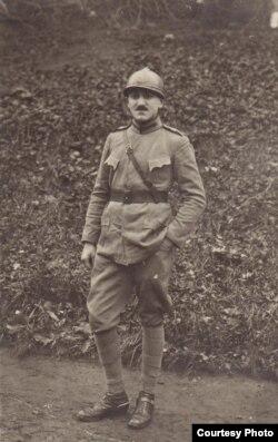 Ofițer român în prizonierat (Expoziția Marele Război, 1914-1918, Muzeul Național de Istorie a României)