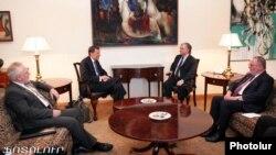 Глава МИД Армении Эдвард Налбандян на встрече с сопредседатели Минской группы ОБСЕ, Ереван, 12 мая, 2012 г.