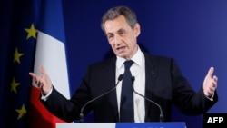 Раиси ҷумҳури пешини Фаронса Николя Саркозӣ