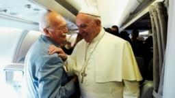 Алексей Букалов в общении с папой Франциском