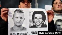 Protest građana u Sarajevu na kojem se od nadležnih zahtijevala pravda za mladiće Dženana Memića (slika lijevo) i Davida Dragičevića (slika desno), 30. decembar 2018.