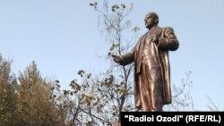 Душанбедегі Ленин ескерткіші