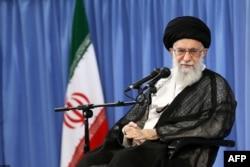 Аятолла Ирана Али Хаменеи. Тегеран, 7 июня 2017 года.