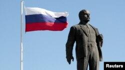 Памятник Ленину, архивное фото