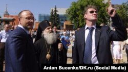 """Игорь Алтушкин и Андрей Козицын осматривают храм """"Большой Златоуст"""""""