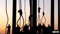 Приготовленные для приговоренных к казни виселицы в Иране.