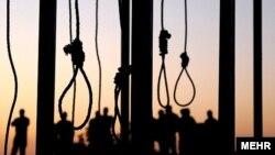 ایران اعدام سه نفر را که به ارتباط تظاهرات نوامبر ضد حکومت محکوم شدهاند، به حالت تعلیق درآورد.