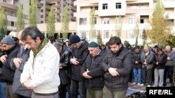 «İlahiyyat» məscidində Cümə namazı, 27 noyabr 2009