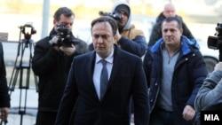 Сашо Мијалков доаѓа на судење за предметот Таргет-Тврдина .
