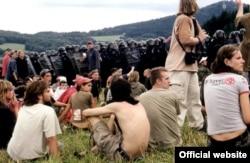 Полиция во время разгона фестиваля CzechTek
