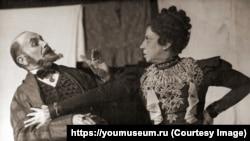 Г. Герштейн и П. Вольпина в спектакле «Сиротка Хася» по пьесе Я. Гордина. 1944 г.