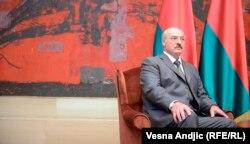 С белорусским лидером Александром Лукашенко Петр Порошенко может встретиться еще до приезда Путина в Минск