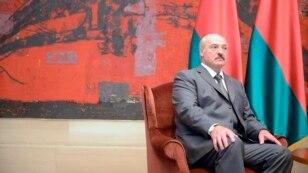 Serbia -- Alexandr Grigoryevich Lukashenka, president of Belarus visiting Belgrade and Tomislav Nikolic, president of Serbia, Belgrade, 12 June 2014.