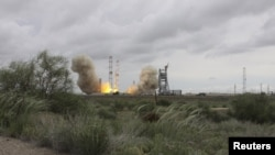 The Proton-M rocket, which crashed, blasts off from the Baikonur cosmodrome on May 16.