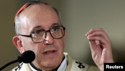 Кардинал Хорхе Маріо Берґольйо, архівне фото 2005 року