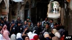 Військові і прочани на дорозі до мечеті Аль-Акса в Єрусалимі (фото архівне)