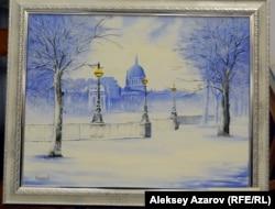 Кәріпбек Күйіков бұл картинасында өзі мектепте оқыған Ленинград (қазіргі Санкт-Петербург) қаласының көрінісін салған.