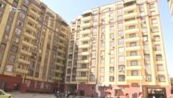 Зиндагии даҳҳо хонавода дар биноҳои нимасохти Душанбе