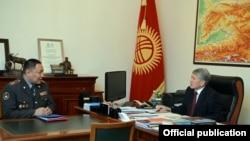 Глава МВД Улан Исраилов на приеме у президента КР Алмазбека Атамбаева.