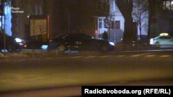 Автівка супроводу з кортежу Віктора Медведчука