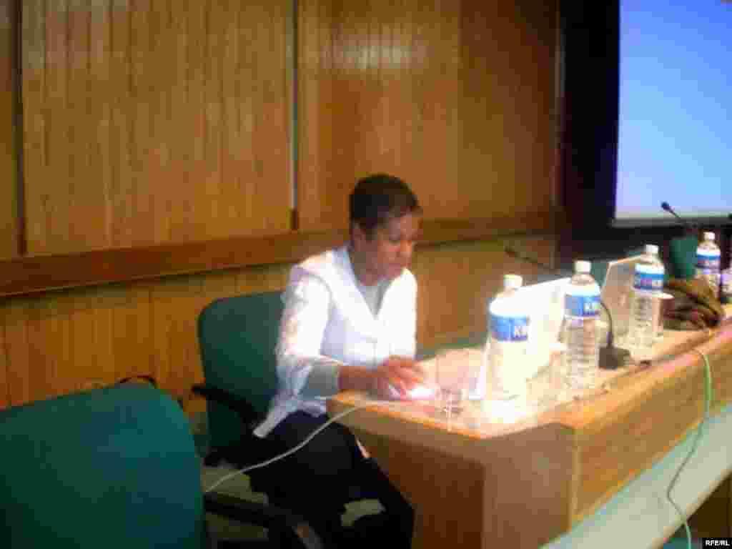 جورجیا پاپلول از کارایب از مسوولان پروژه صداهای جهانی