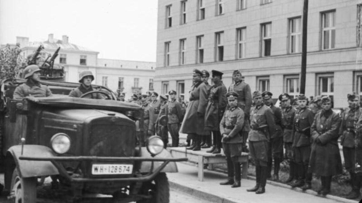Монобильшисть провалила свое же постановление в отношении Второй мировой войны €? издания (обзор прессы)