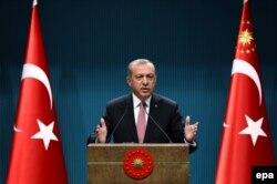 Реджеп Эрдоган выступает с очередным обращением к нации. 26 июля