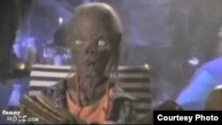Пэрис приравняла обидчика к персонажам «Баек из склепа»