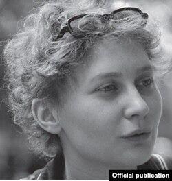 Nicoleta Esinencu (Foto: Service de presse Salon du Livre, Paris)
