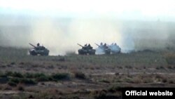 Учения азербайджанской армии вблизи линии соприкосновения, 1 мая 2014 г.