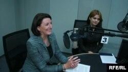 Претседтелката на Косово Атифете Јахјага за време на интервјуто во Радио Слободна Европа.