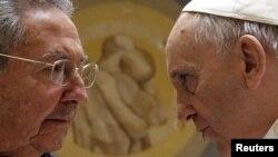 Roma papası Francis Kuba lideri Raul Castro ilə bu ilin mayında görüşüb