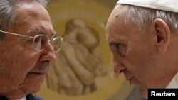 Папа рымскі і Рауль Кастра ўжо сустракаліся сёлетняй вясной