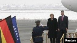Kancelarja Angela Merkel gjatë vizitës në Prishtinë. Prill, 2012.