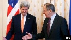 Государственный секретарь США Джон Керри (слева) и министр иностранных дел России Сергей Лавров. Москва, 24 марта 2016 года.