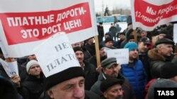 Протестная акция дальнобойщиков в Омске