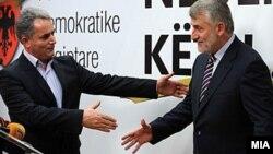 Лидерите на опозициските албански политички партии ДПА и НДП, Мендух Тачи и Руфи Османи.