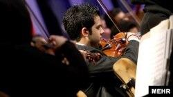 Тегеран симфониялық оркестрі. Иран, 14 ақпан 2012 жыл.