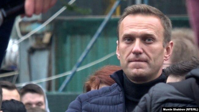 Алексей Навальный на проспекте Сахарова