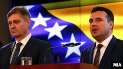 Denis Zvizdić i Zoran Zaev na konferenciji za medije Summita 100, Skoplje